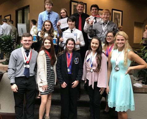 ALHS DECA members pose for a photo at the state competition