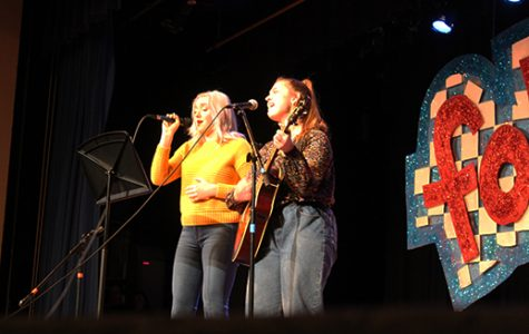 Alexis Phillips and Kirsten Spurgin sing together