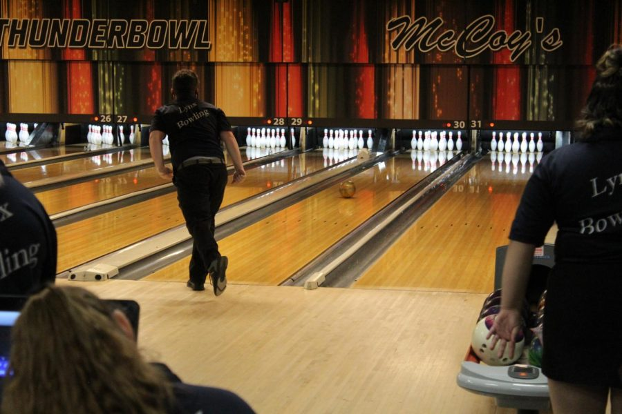 """ALHS Bowling Team: the team with talent to """"spare"""""""